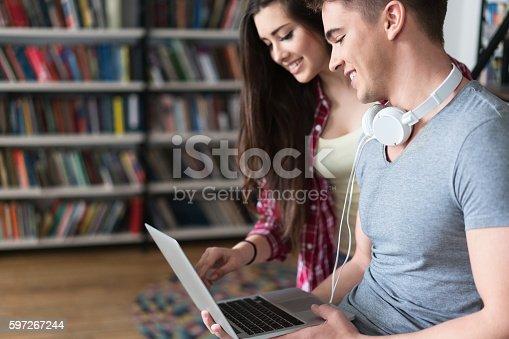 Studenten Stock-Fotografie und mehr Bilder von Bibliothek