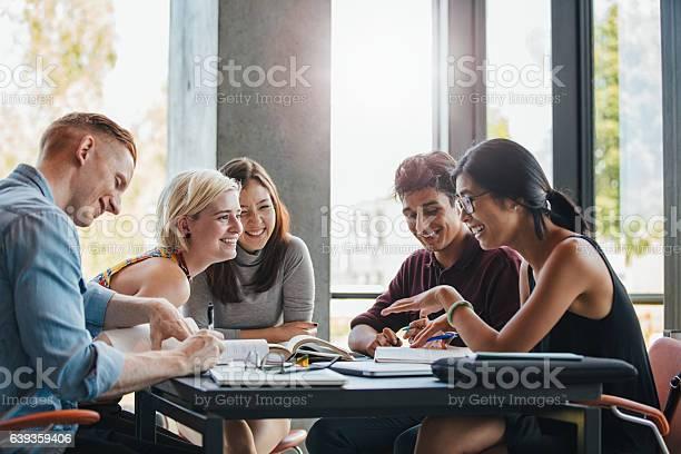 Students studying in college library picture id639359406?b=1&k=6&m=639359406&s=612x612&h=u5zg tls7sb1jpsfeieci8xq6rurieneizqlcpjndcs=