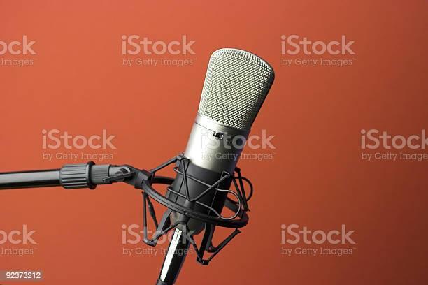 Studio microphone picture id92373212?b=1&k=6&m=92373212&s=612x612&h=jbaejobpanqy6zvvsxah4a ay0 wmb7z ejatptgw0w=