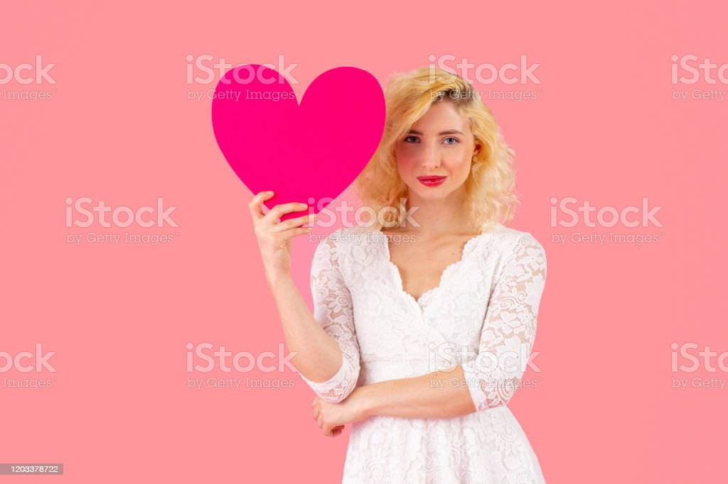 Dating Woman Heart.)