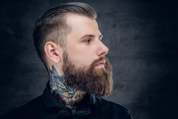 studio-porträt der bärtige hipster männlich. - modedetails stock-fotos und bilder