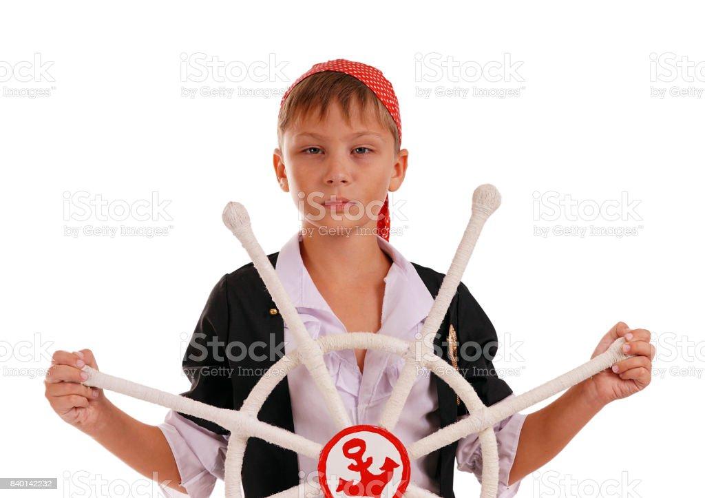 Stüdyo portre genç çocuğun çark ile korsan kostümü stok fotoğrafı