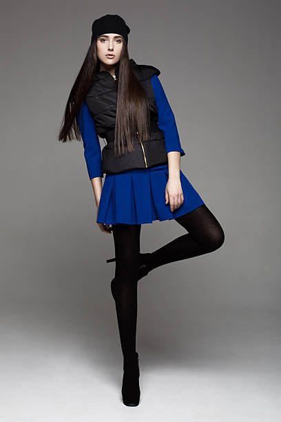 studioaufnahme von hübsche model - mode herbst 2015 stock-fotos und bilder