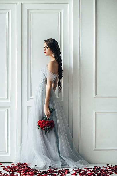 Studio shot of young beautiful bride picture id515882704?b=1&k=6&m=515882704&s=612x612&w=0&h=w8 kmvqczugcniac4ozyxjj o 8ttrd0fwfpmgsweny=
