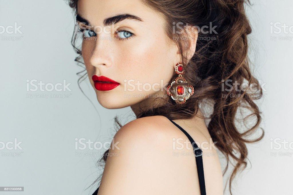 Foto de estúdio de um jovem Mulher bonita - foto de acervo