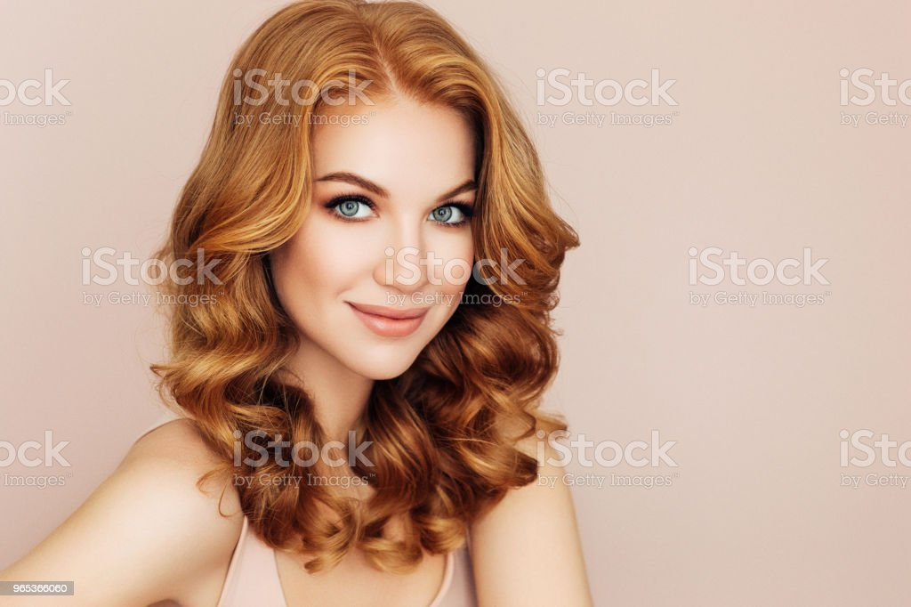 Studio shot of young beautiful woman zbiór zdjęć royalty-free