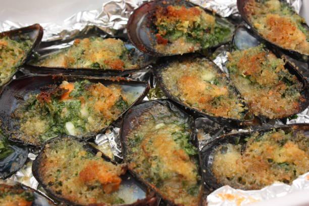 Cтоковое фото Stuffed Mussels - Parsley Butter Breadcrumbs
