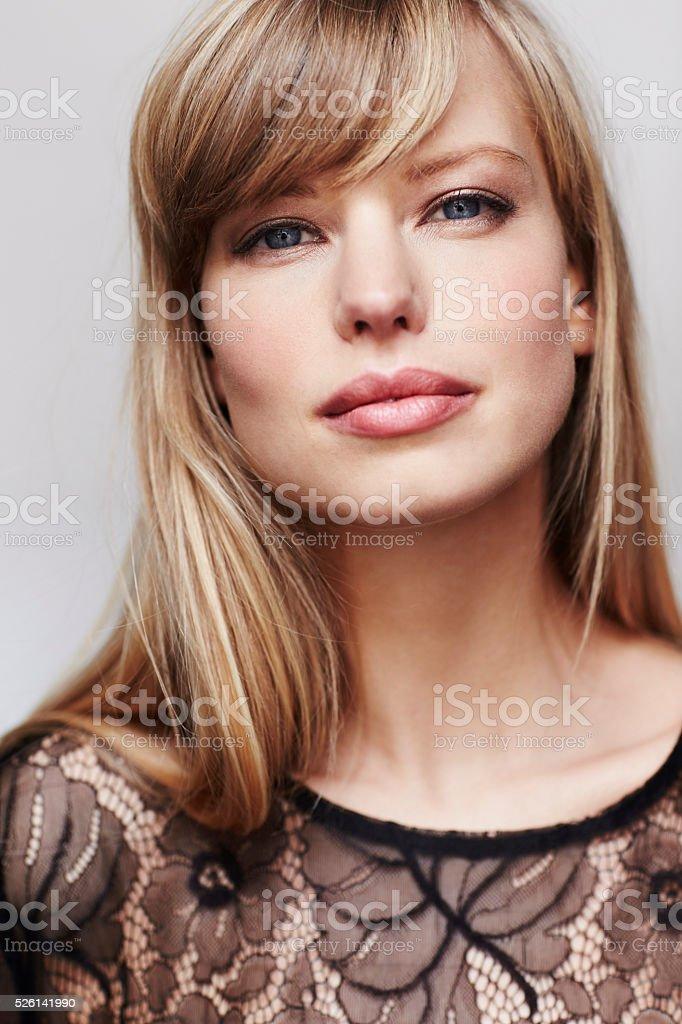 Atemberaubende Blonde Modell Mit Blauen Augen Stock Fotografie Und