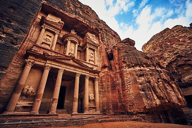 stunning view of petra church unesco heritage in rock - wunder stock-fotos und bilder