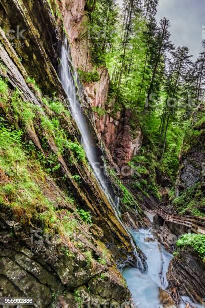 Atemberaubende Wimbachwasserfälle In Den Alpen Deutschland Stockfoto und mehr Bilder von Alpen