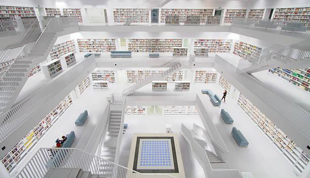 stuttgart, deutschland – moderne public library - deutsche bibliothek stock-fotos und bilder