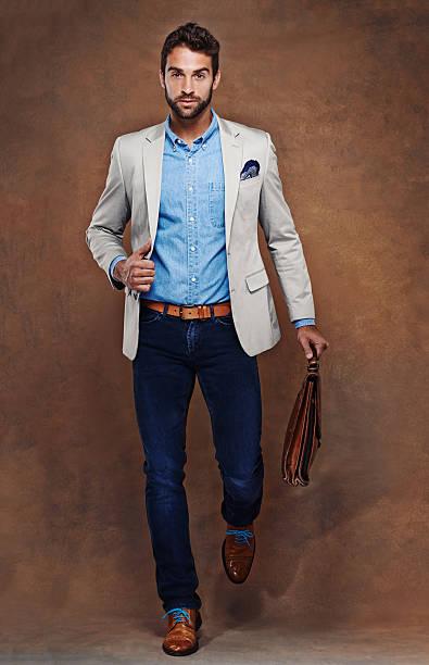 stil vertrauen - druck jeans stock-fotos und bilder
