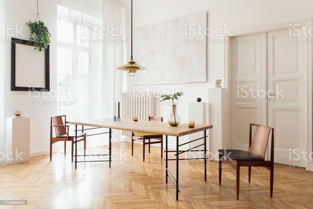Design Tafel Stoelen.Stijlvolle En Moderne Eetkamer Interieur Met Design Delen Tafel