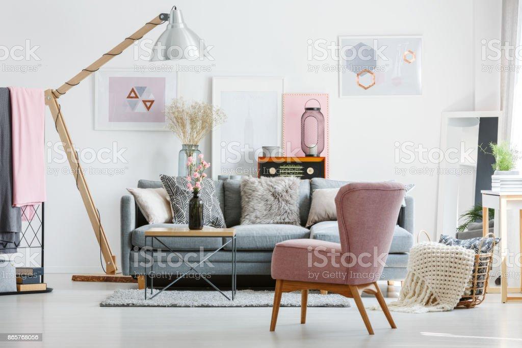 Stilvolle Wohnzimmer Mit Radio Stockfoto Und Mehr Bilder Von