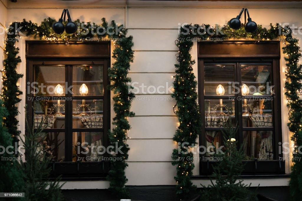 Stilvoller Luxus Vintage Weihnachtsgirlande Auf Fenster Feier