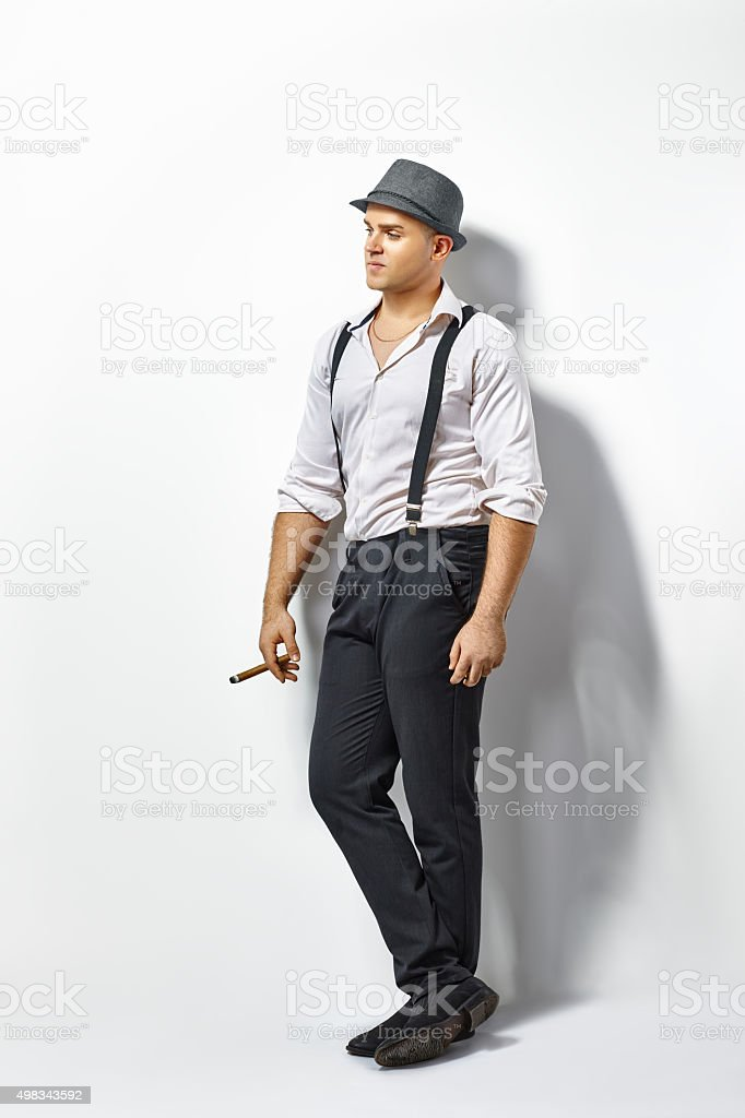 Élégant homme avec cigare - Photo
