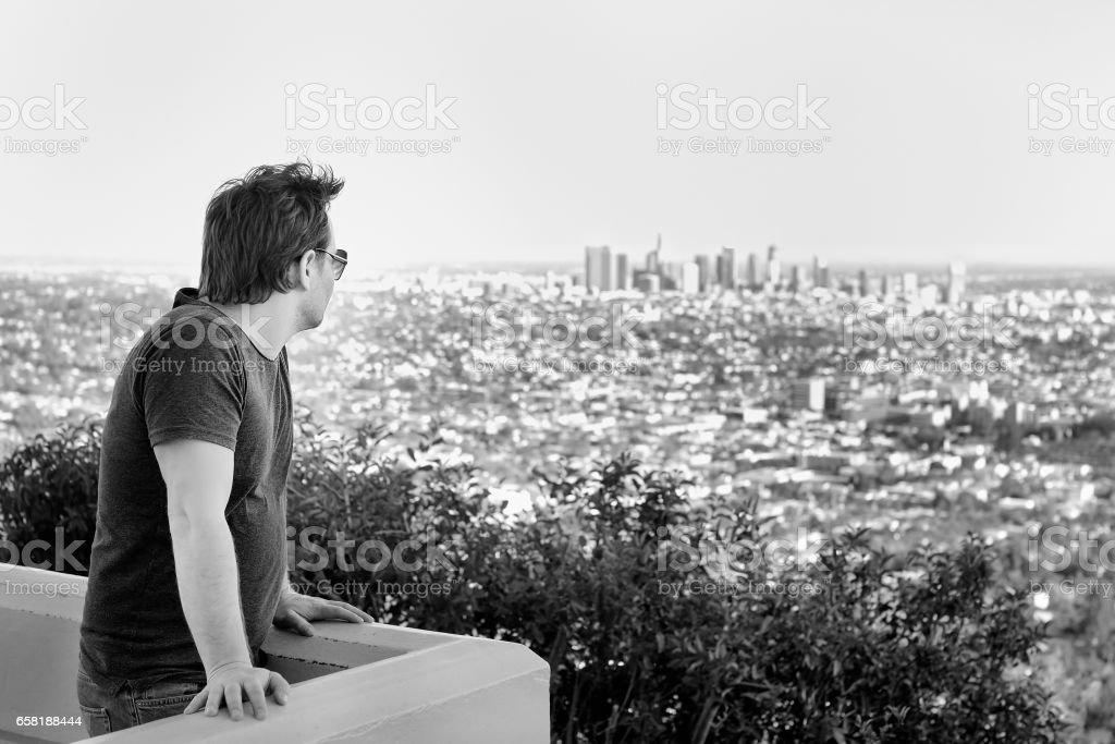 Hombre Con Estilo Edad Media En El Centro De Los Angeles ...
