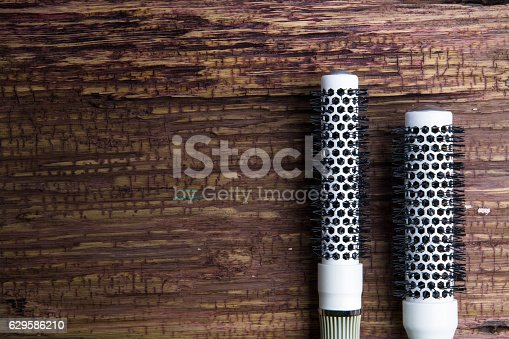 1041901666istockphoto Stylish Professional Barber and salon, Comb, Haircut accessories 629586210