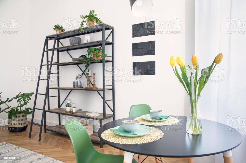 Stilvolle Skandinavischen Freifläche Stilvolle Und Moderne ...