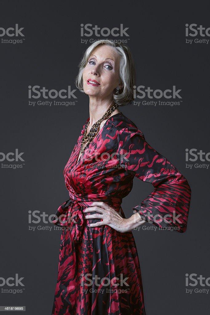 2a627e8f92bf Elegante Donna Anziana - Fotografie stock e altre immagini di ...