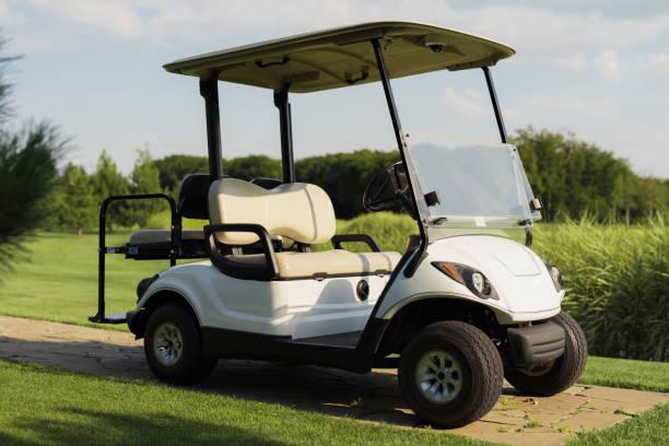 Voiturette de golf blanc élégant - Photo