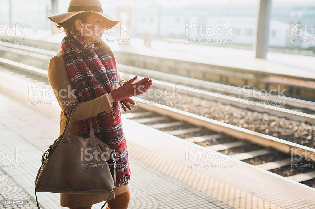 Elegante mujer - foto de stock