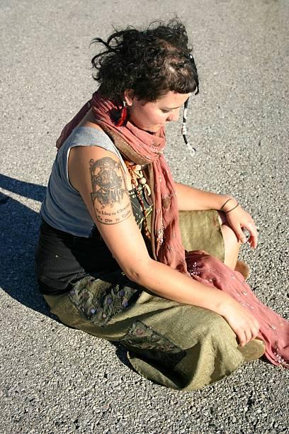 subkultur dar und in frieden - ruhegebet tattoo stock-fotos und bilder