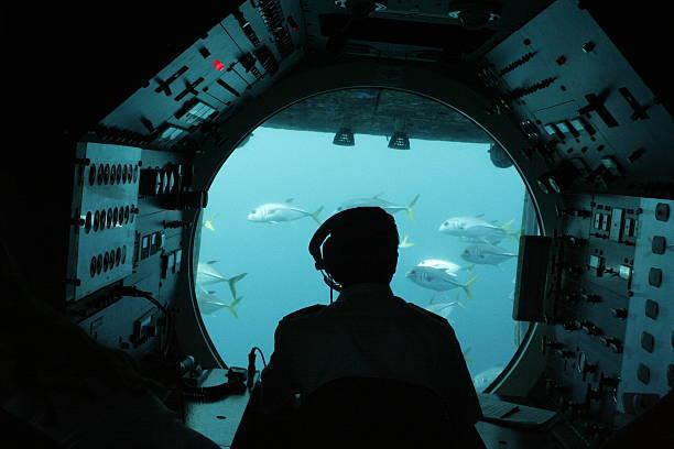 submarino - submarino fotografías e imágenes de stock