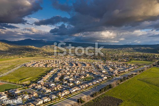 California, Built Structure, Residential Building, Los Angeles County, Santa Clarita