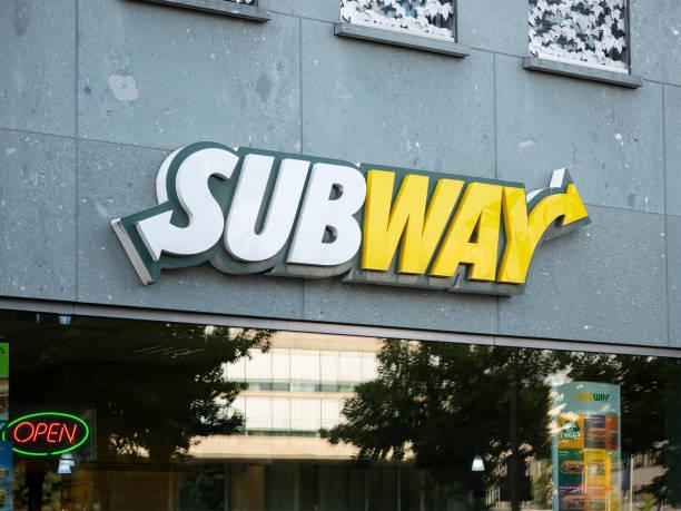 Subway logo at a fast food restaurant in berlin germany picture id1018979638?b=1&k=6&m=1018979638&s=612x612&w=0&h=b9pfyusv0lyf5sznstkheb83xwbhqpk7cntyt0pvw7y=