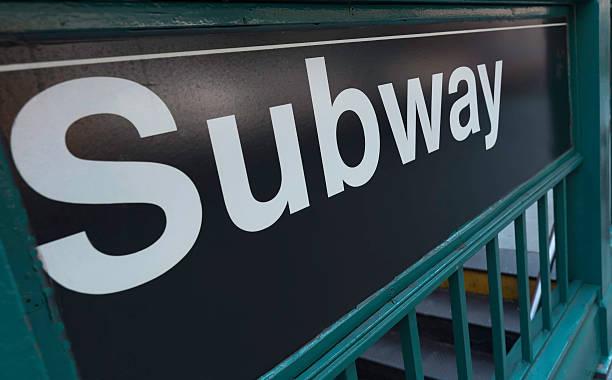 u-bahn-schild new york city, new york, usa - u bahn stock-fotos und bilder