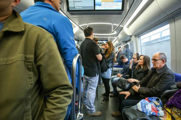 tunnelbanesystemet i münchen - munich train station bildbanksfoton och bilder