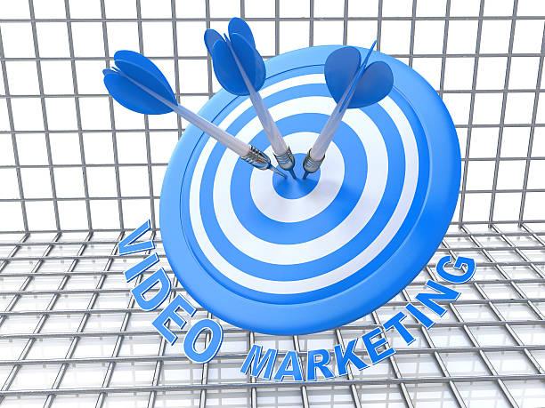 success business concept: arrows hitting the center of target, b - call center stockfoto's en -beelden