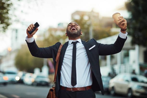 sucesso está prestes a acontecer na cidade - em êxtase - fotografias e filmes do acervo