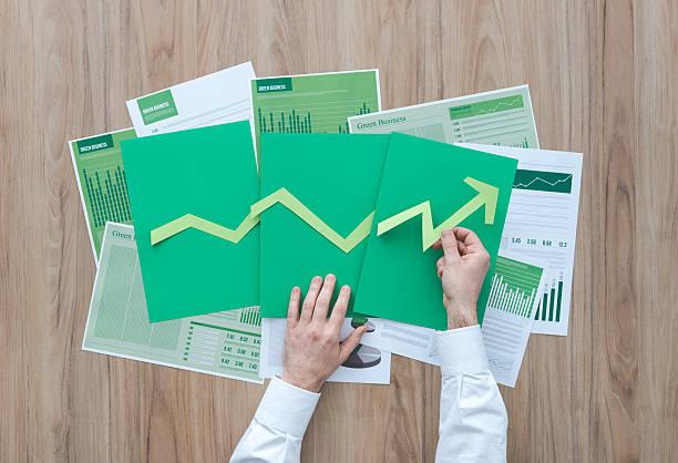 business di successo  - rapporto finanziario foto e immagini stock