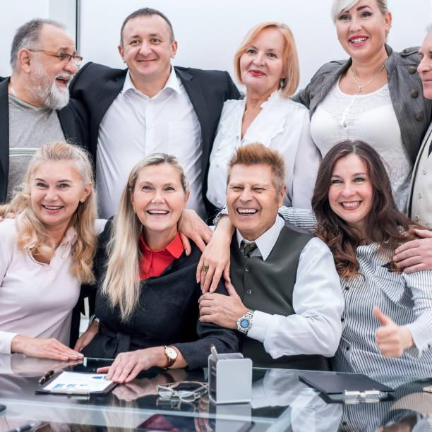erfolgreiches Business-Team am Arbeitsplatz im Büro. – Foto