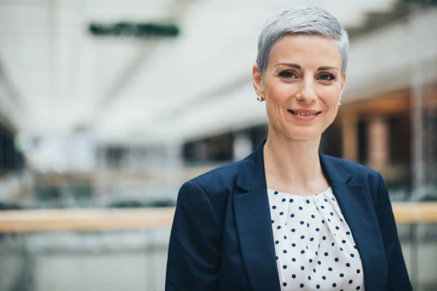 successful businesswoman - amministratore delegato foto e immagini stock