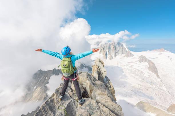 Erfolgreiche Bergbesteigung – Foto