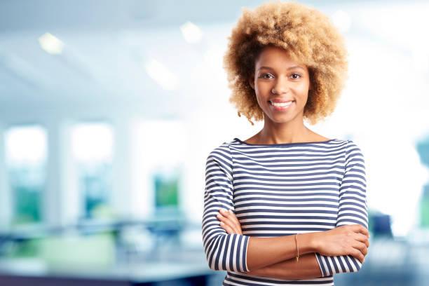 Erfolgreiche junge berufstätige Frau Porträt – Foto