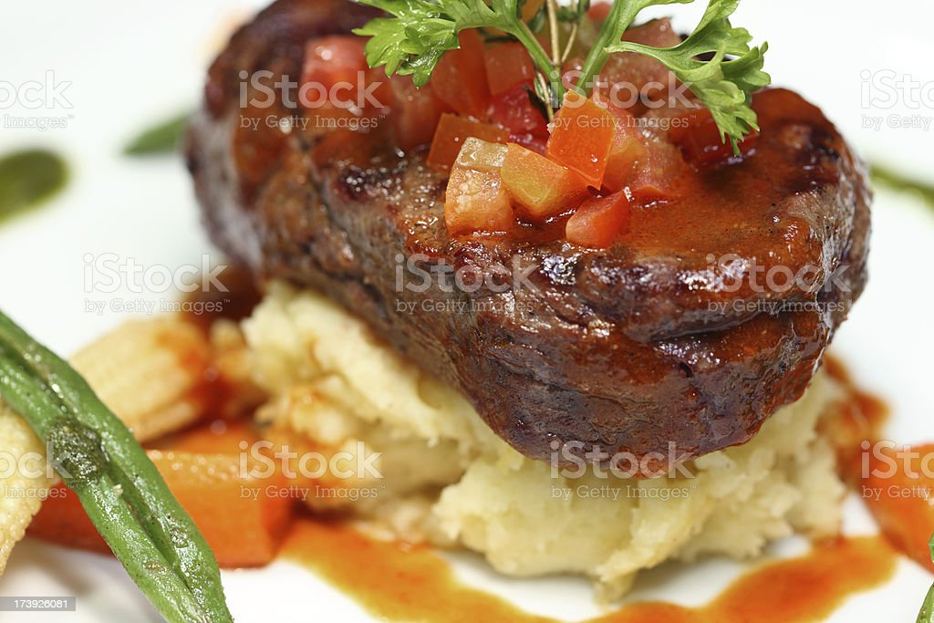 Succulent steak and vegetables (XXXL) royalty-free stock photo