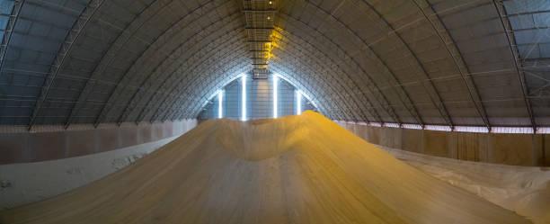 sugar storange factory plant room - zuccherificio foto e immagini stock