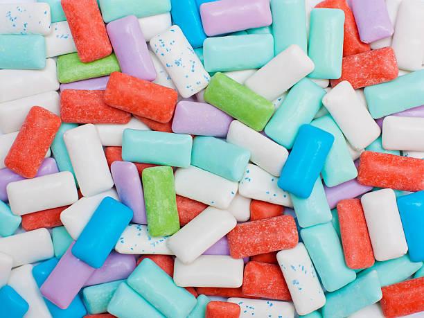 sugarfree chewing gum - sakız şekerleme stok fotoğraflar ve resimler