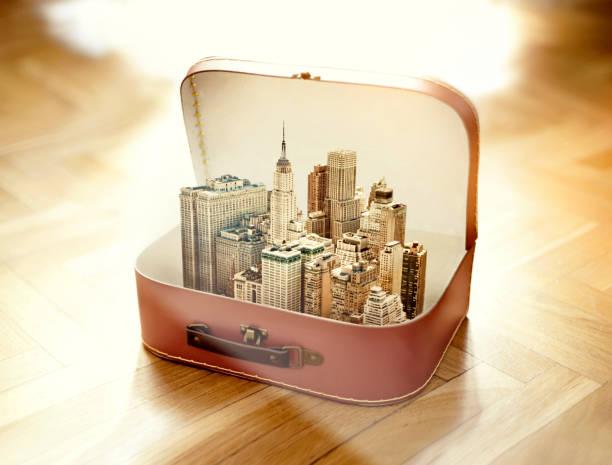 スーツケースにニューヨーク市 ストックフォト