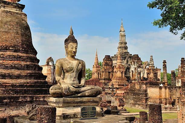 sukothai historical park - sukhothai - fotografias e filmes do acervo