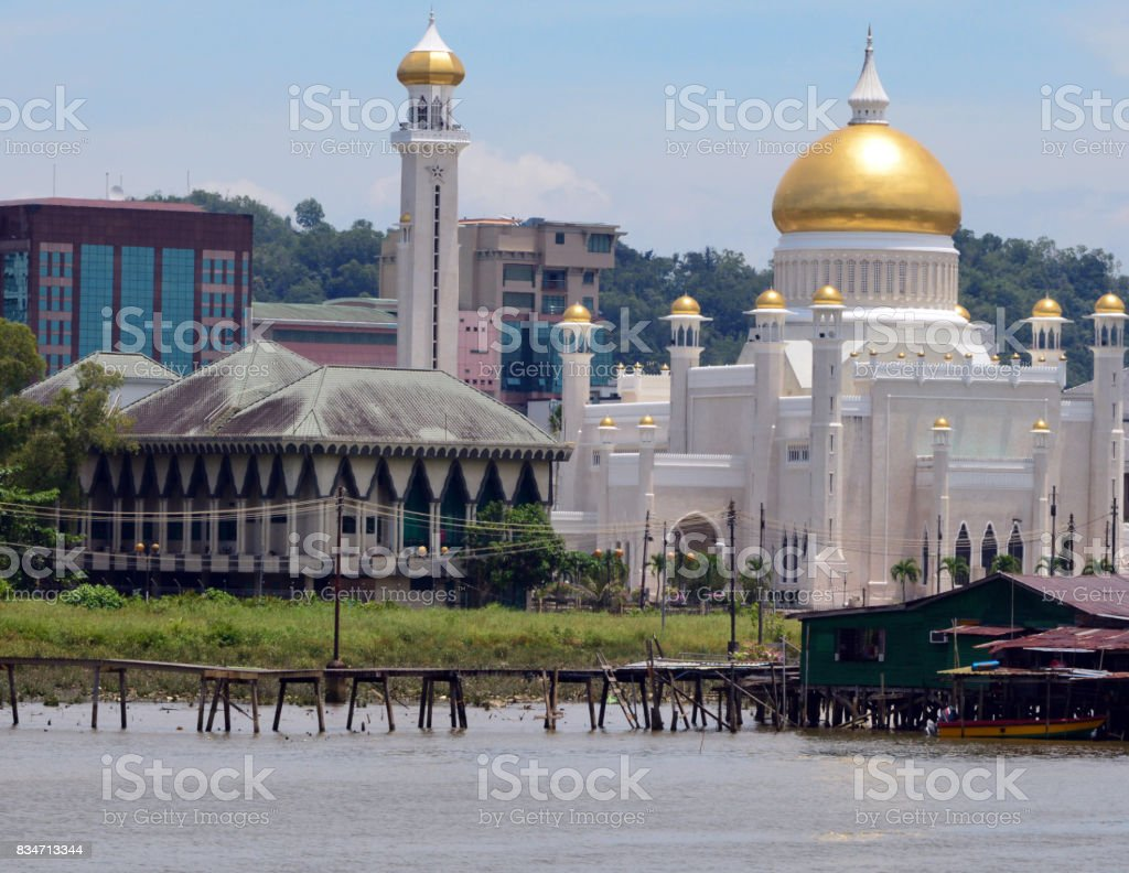 Sultan Omar Ali Saifuddin mosque and Mosque Affairs Department building, Bandar Ser stock photo