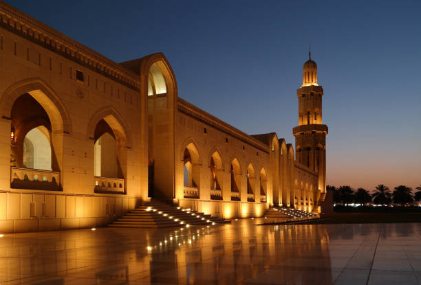 große sultan-qabus-moschee, muscat, oman  - maskat stock-fotos und bilder