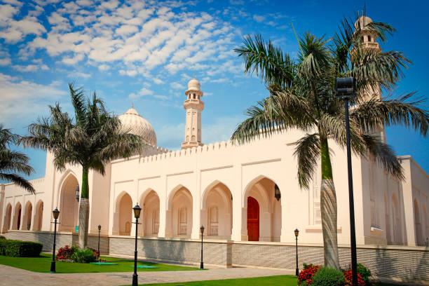 sultan qaboos mosque in salalah - oman стоковые фото и изображения
