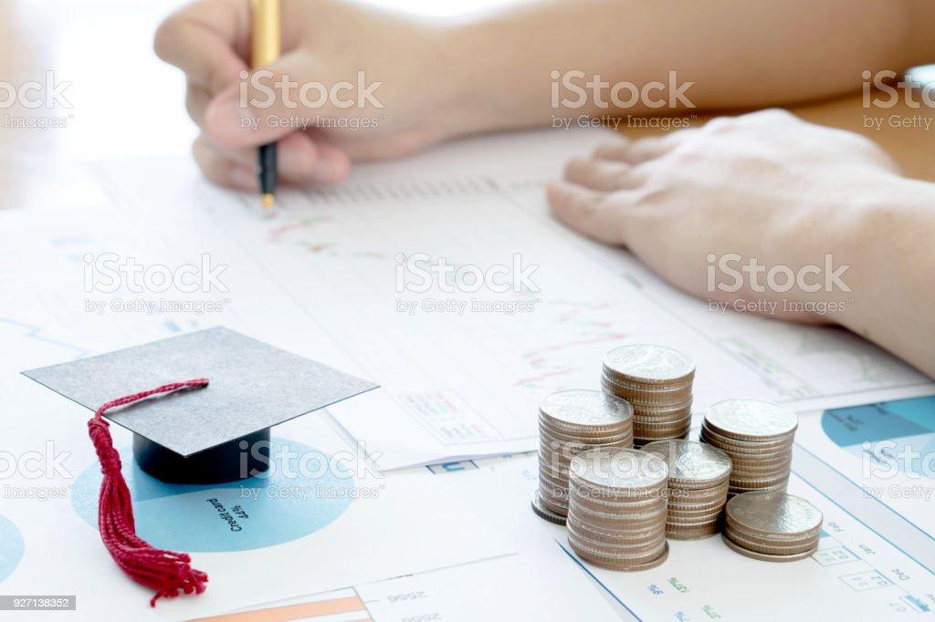 Zusammenfassung und Analyse Finanzkonzept – Foto