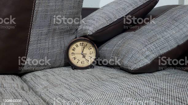Summer daylight saving time concept retro styled clock with pillows picture id1208643335?b=1&k=6&m=1208643335&s=612x612&h=ulojfcdax5em0io nmxy npznlf1taj8sshmt9plflg=