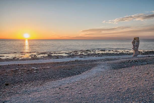 sommerabend in schweden - kalifornien ostsee stock-fotos und bilder